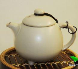Чайник в глазури Жу Яо