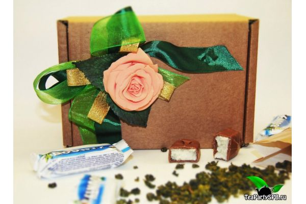 Подарочный набор из чая и конфет - «8 марта»