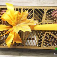 Подарочный набор в деревянной коробочке - «Кленовый лист» (чай, сладости)