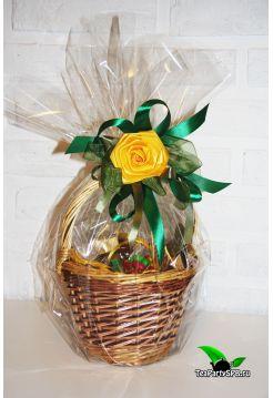 Подарочная корзиночка с чаем и сладостями - «Чайное лукошко»