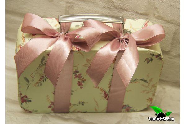 Подарочный набор - «Дарите чай!» (чай, конфеты)