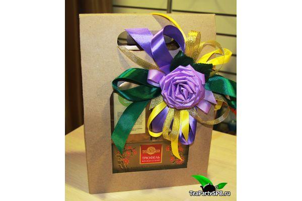 """Подарочный набор из чая и сладостей - """"Праздничный"""""""