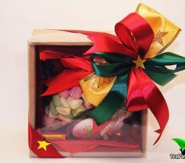 Подарочный набор с чаем и сладостями - «Сладкоежка»