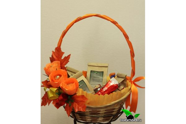Подарочная корзина с чаем - «Краски осени»