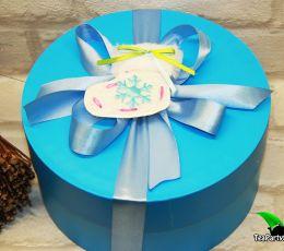 Новогодний кофейный набор в круглой коробке - «Снежок» (кофе, маршмеллоу)