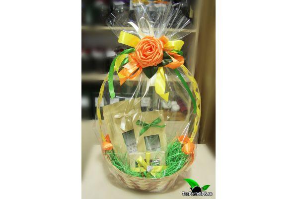 Подарочная чайная корзина со сладостями - «Наслаждение»