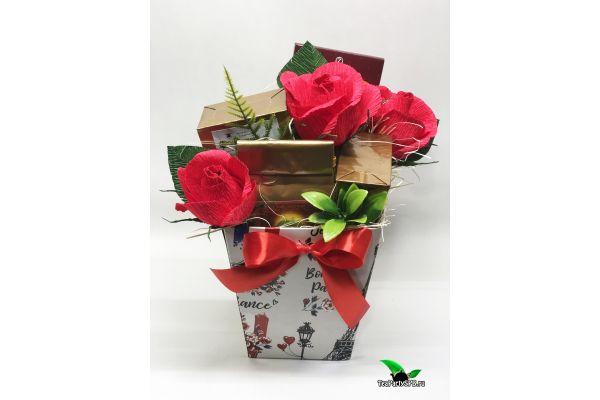 Подарочная композиция из чая и сладостей «Тёплые объятия»