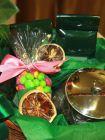 Подарочная корзина с чаем, чайником и сладостями - «Чаепитие в саду»