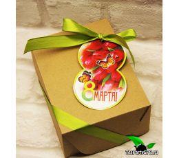 Подарочный набор из чая и сладостей к 8 марта «Сладкий восторг»