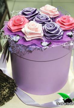 """Подарочный набор из чая и сладостей в шляпной коробке """"Коробочка счастья"""""""