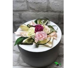 Подарочный набор в круглой коробке - «Приятности» (чай, шоколад, посуда)