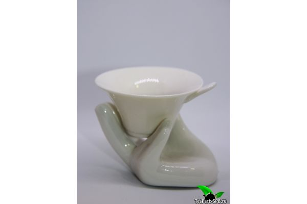 Керамическое сито на подставке в виде руки №2